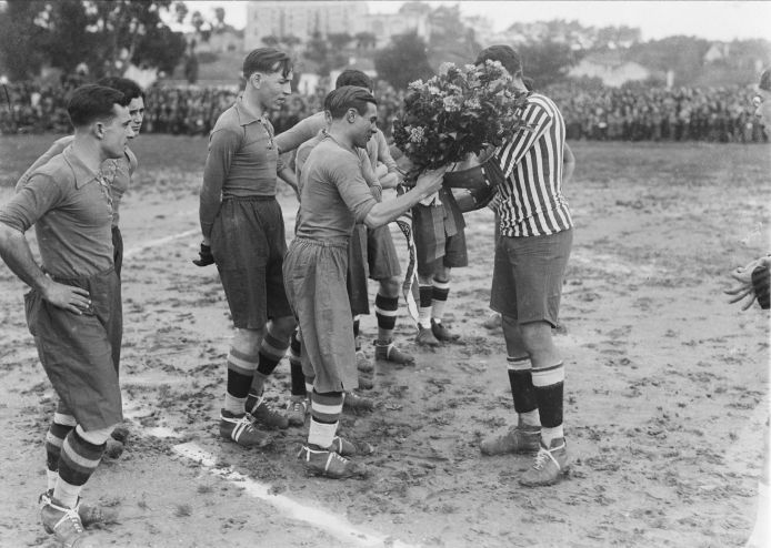 football-game-unknown-year-calouste-gulbenkian-foundation-mario-novais.jpg