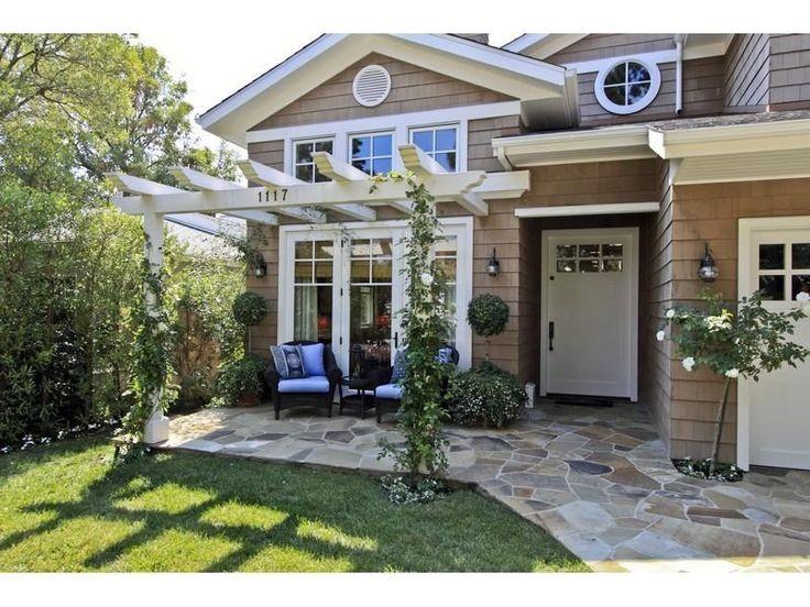 June 3, 2015 Entry Trellis on builder grade home
