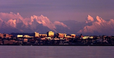 Everett, Washington, a small city on Puget Sound, backs onto the Snohomish River Valley with the Cascade mountains to the East. HomematchNW.us #snohomish #homematchnw