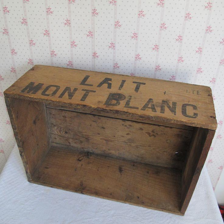 ancienne caisse de Lait Du MONT BLANC en bois de la Compagnie Générale du Lait RUMILLY Haute Savoie France de la boutique CrazyFrenchVintage sur Etsy