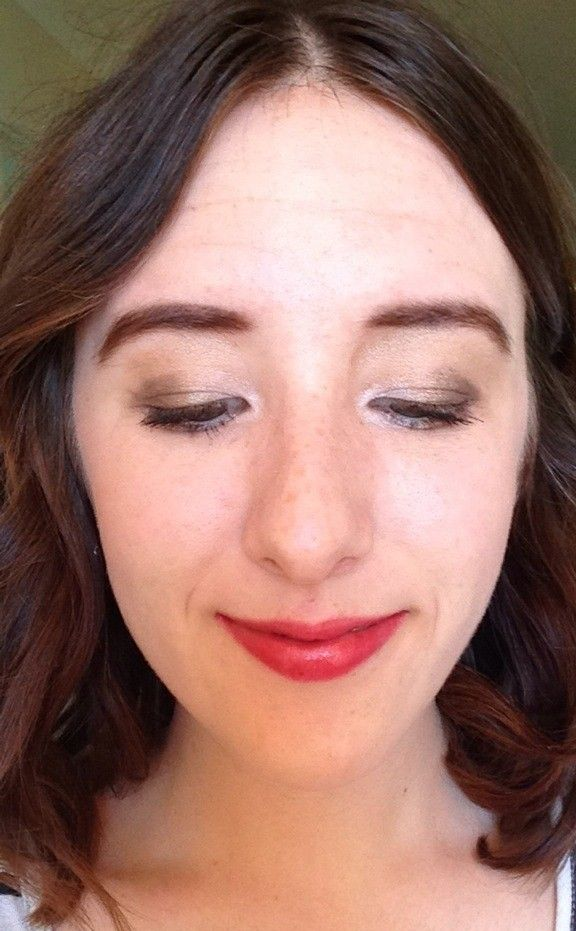 Christmas makeup that looks fancy, but is shockingly easy