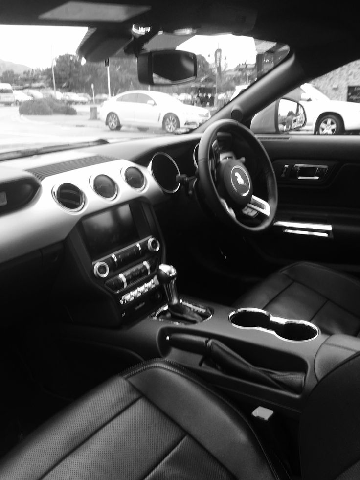 Mustang #interior #leather #pretty