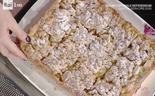 La ricetta della torta di mele, quadrotti di mele di oggi 23 novembre 2016 di Anna Moroni La prova del cuoco