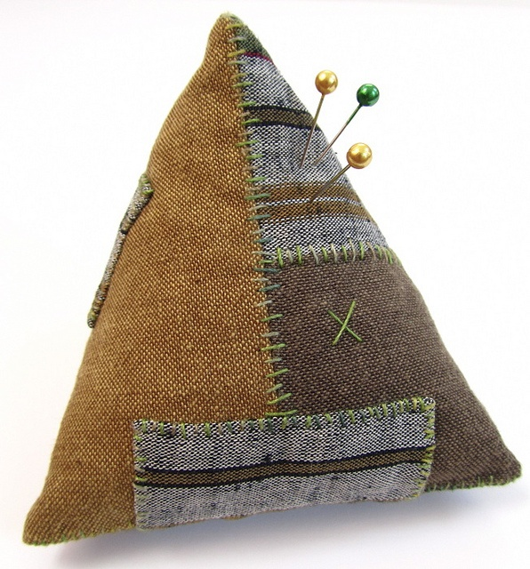 Rural Retro Pincushion - Victoria Gertenbach of The Silly BooDilly and Rural…