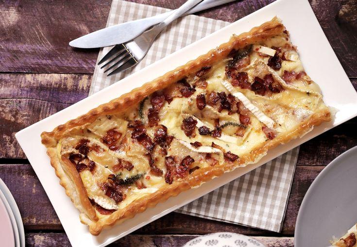 Baconos-camembert sajtos pite