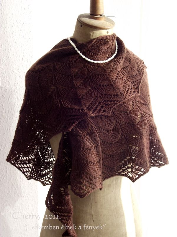 Traveling Women shawl my personal blog: http://cherry-crosstich.blogspot.hu/