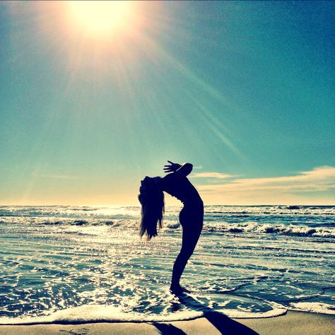 beach yoga - yes please