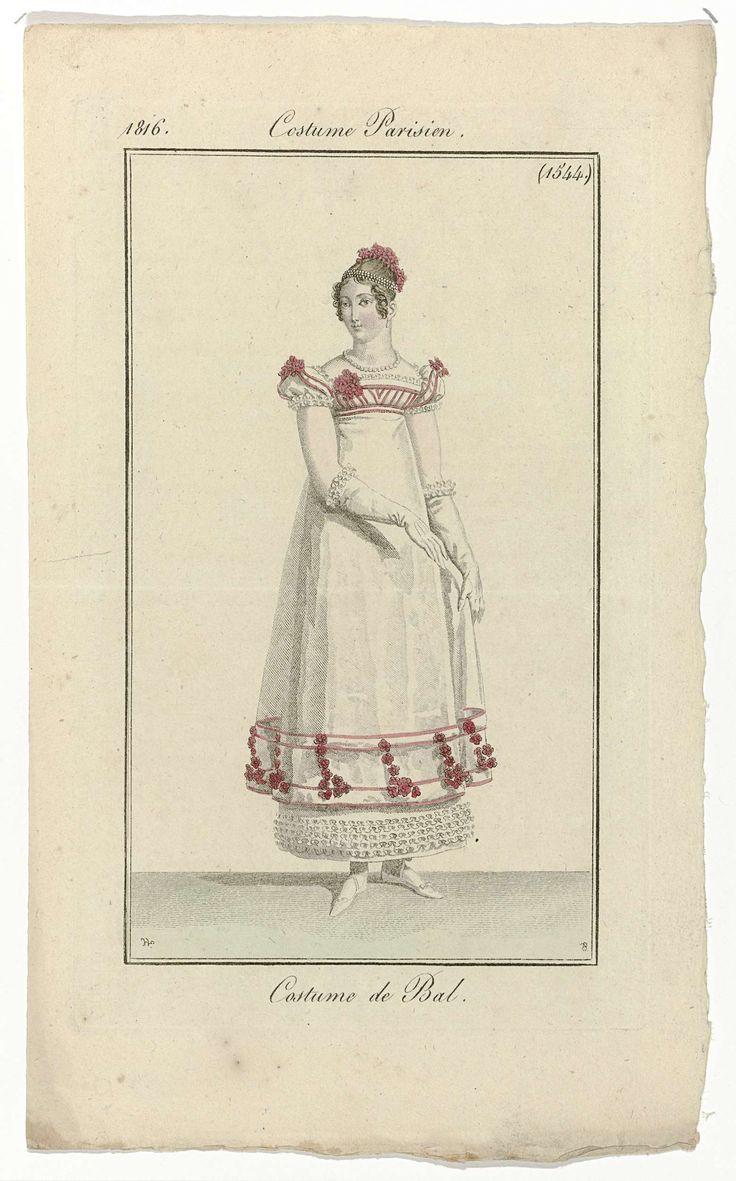 Pierre Charles Baquoy | Journal des Dames et des Modes, Costume Parisien, 20 février 1816, (1544): Costume de Bal., Pierre Charles Baquoy, Pierre de la Mésangère, 1816 | Vrouw gekleed in een kostuum voor een bal. De baljapon heeft korte pofmouwen, vierkante hals en hoge taille. Het lijfje en de zoom zijn versierd met rood band en bloemen. Onder de doorzichtige rok is een onderrok zichtbaar, bij de zoom versierd met ruches. Haarband en bloemen in het haar. Verdere accessoires: oorbel in het…