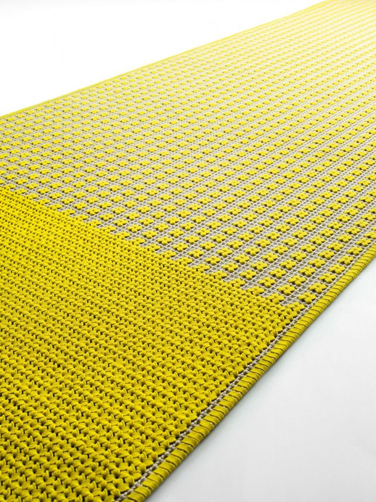 Paola Lenti : High Tech rugs designed for exterior environments.