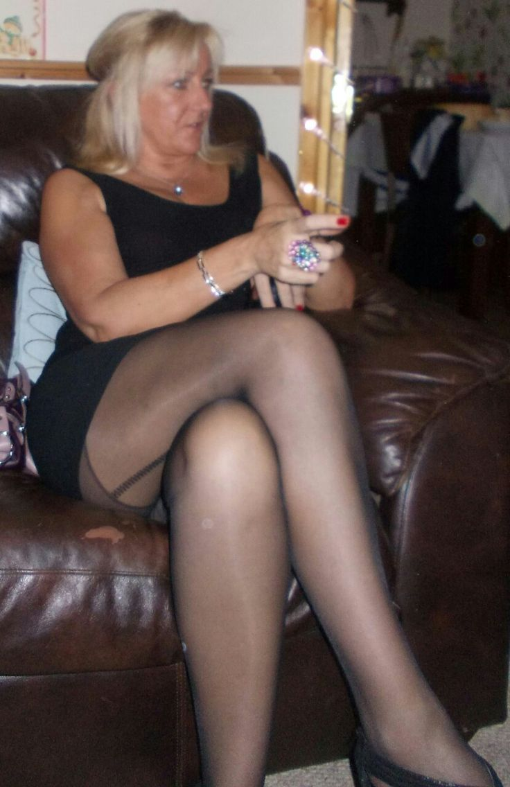 Pin By Milfy On Sexy Mature Women  Donne-3671