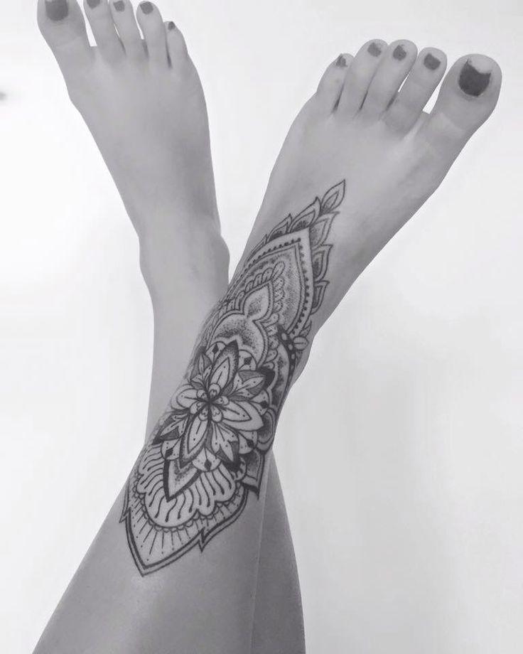Still Tattoo Designs für Frauen #TattooWomen Still Tattoo-Designs für Frauen -… #flowertattoos