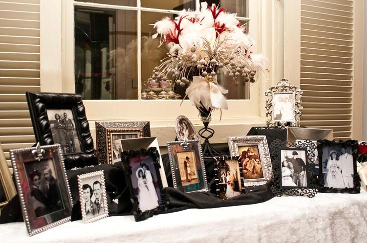 Family members wedding photos table