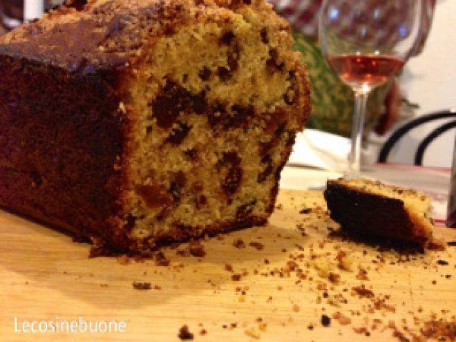 Plumcake fichi secchi, cioccolata e uvetta