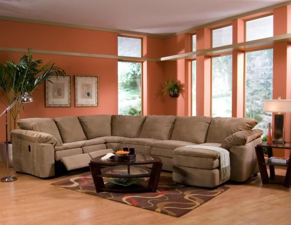 Casual Style And Great Comfort Come Together In This Chaise Sectional Sofa Easy Going Elegance