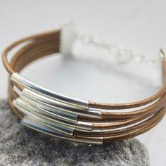 Bracelet manchette 6 cordons de cuir bronze et perles tube métal argenté