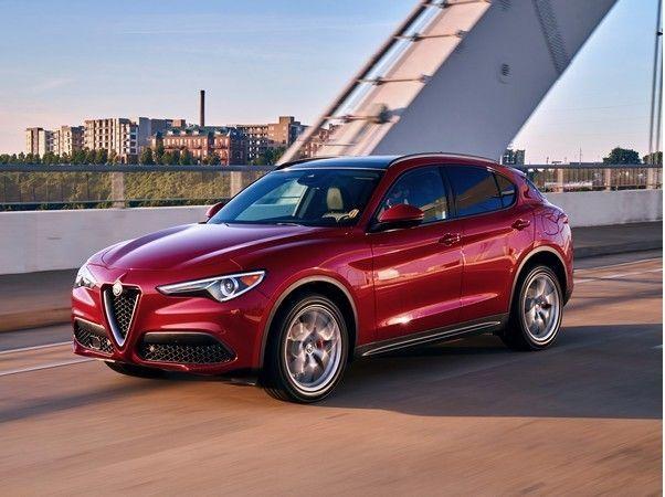 2018 Alfa Romeo Stelvio First Review Kelley Blue Book Alfa Romeo Stelvio Alfa Romeo Alfa Romeo Giulietta