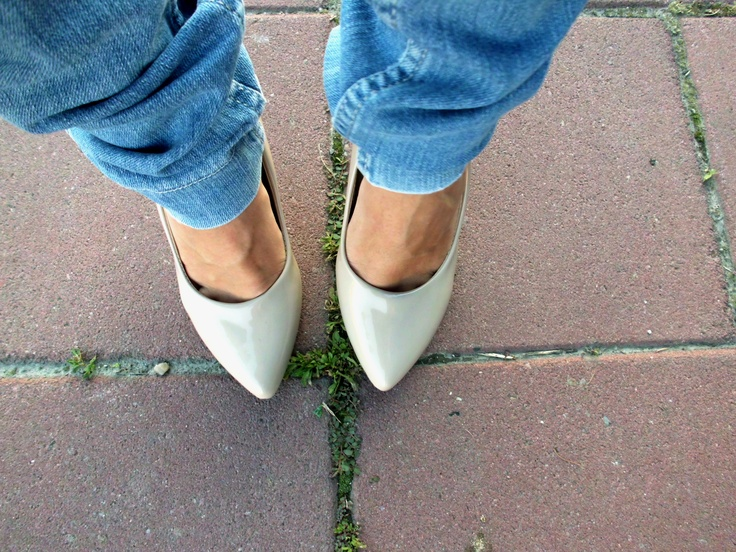 http://dictionaryoffashion.blogspot.com/2012/05/oasap-shoes.html