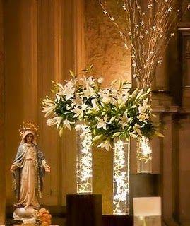 Peinados: Decore la Iglesia para una boda con arreglos de flores iluminadas