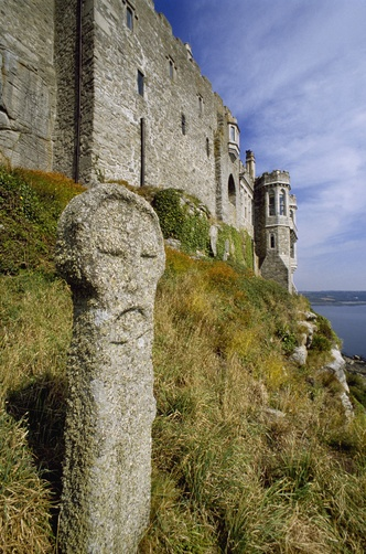 Saint Michael's Mount, Cornwall, England, UK. - Position: the fire sign Sagitarius, indicator of the round shape of the island together with the air sign Aquarius for radius/field level 3. Sagitarius is present also at the site of Mont Saint-Michel in Normandy.