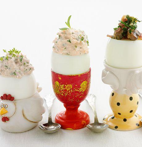 Ägghalvor med tonfiskröra, laxröra, champinjon och baconfräs - Svenska Ägg