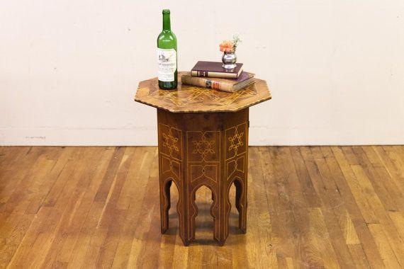 Ingelegde achthoekige Yew-hout-tafel
