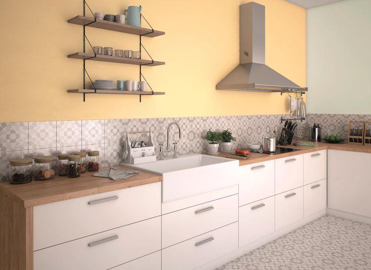 Jesienią warto wprowadzić do wnętrz trochę więcej światła, na przykład za pomocą słonecznego odcienia Yellow Grapefruit z serii Beckers Designer Kitchen & Bathroom.