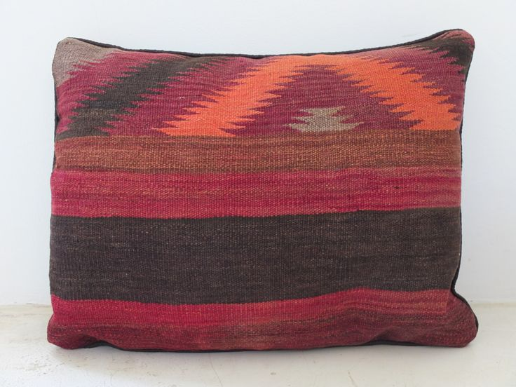 Statement pillow, made of 40-50 years old kilim. https://www.etsy.com/shop/IbuBien #Kilim #Kilimpillows #Vintage #Vintagepillows #Kilimcushions