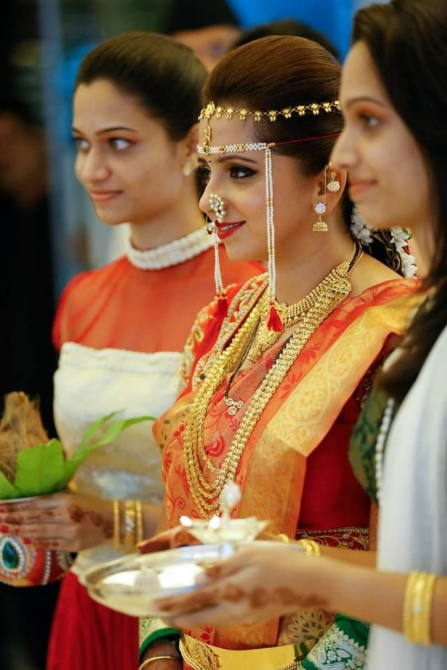 Indian Bridal Hairstyles Ideas   Bridal Makeup Photos   Wedmegood