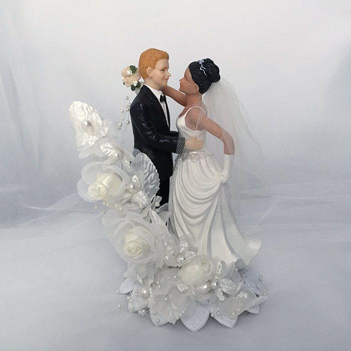 Bride and Groom Wedding Cake Topper-Traditional wedding cake topper- Romantic Wedding Cake Topper- Wedding Cake Topper- Wedding keepsake by UniqueWeddinCreation on Etsy