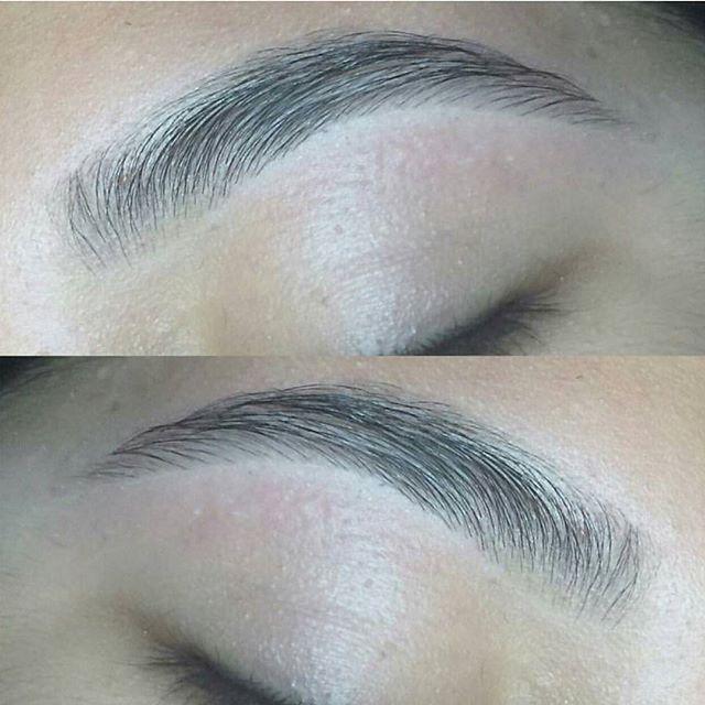 BROWS ON FLEEK 🙌✨ ¡Manten tu diseño de cejas por mas tiempo! Aprovecha nuestro combo depilación hindú + tinte.  Seguimos con el precio de apertura 15$ 💥 El tinturado de cejas dura aproximadamente 2 semanas y tiene un aspecto natural 😍 Agenda 💌 0982838369 _________________________________ #brows #browsbar #beauty #mua #makeupartist #depilacionhindu #threading #depilacionhilo #closeup #nofilter #noretouch #tint #diseñodecejas #salinas #lalibertad #montereylocals #salinaslocals- posted by…