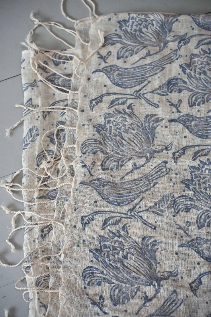 scarf.Prints With Fabrics Dyes, Prints Scarf Design, Prints Pattern Design, Blue Prints Fashion, Indigo Textiles, Flower Prints, White, 12001803 Pixel, Scarves