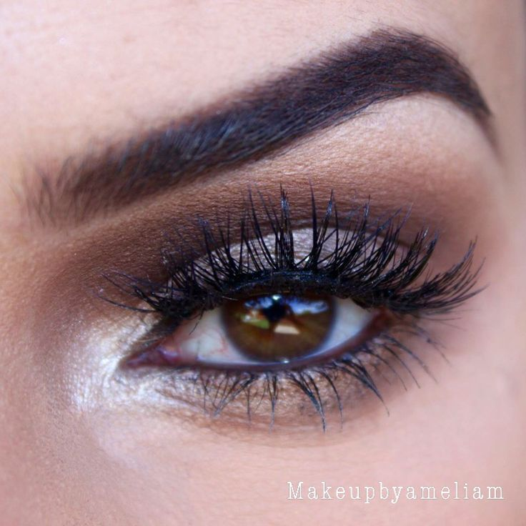 Sultry eyes  Created this look by using Eye- @anastasiabeverlyhills eyeshadows in cream soda (transition) champagne (brow bone) espresso & deep plum (inner crease), topaz and legend (lid) and so Hollywood (inner corner). Lashes- @modelrocklashes in 'twisted McQueen'. Eyebrows- @anastasiabeverlyhills pomade in chocolate.  #nofilterneeded #hudabeauty #vegas_nay #anastasiabeverlyhills #dressyourface #makeupartists_worldwide #makeupcoach