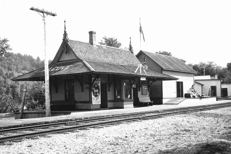Railway Station, Alcove, Quebec - 1915  ::  from the collection of the Gatineau Valley Historical Society