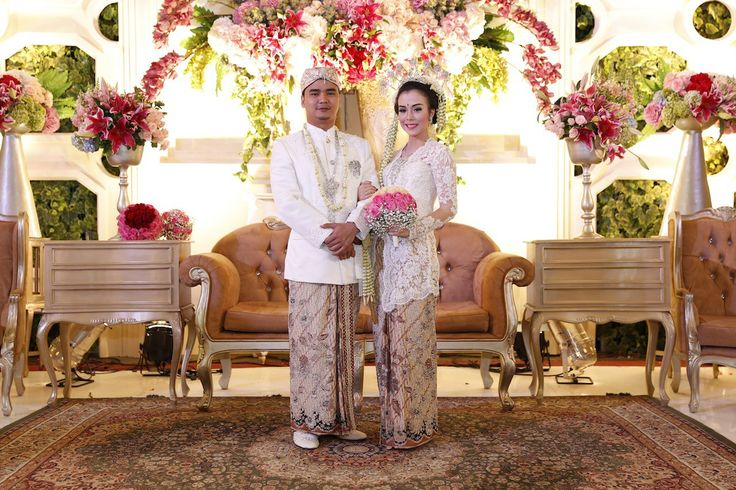 84 best pelamin images on pinterest indonesia wedding backdrops pernikahan adat sunda alissa dan gerry di bandung indonesian weddingwedding decorationsbandungkebayawedding junglespirit Choice Image