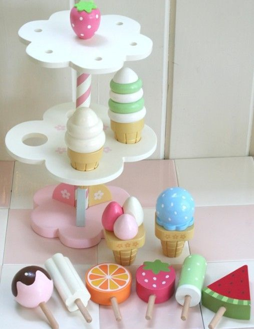 Wholesale Wooden Toys Mother Garden Strawberry Ice Cream 1 Set Baby Pretend Play Toys Gift For Girl