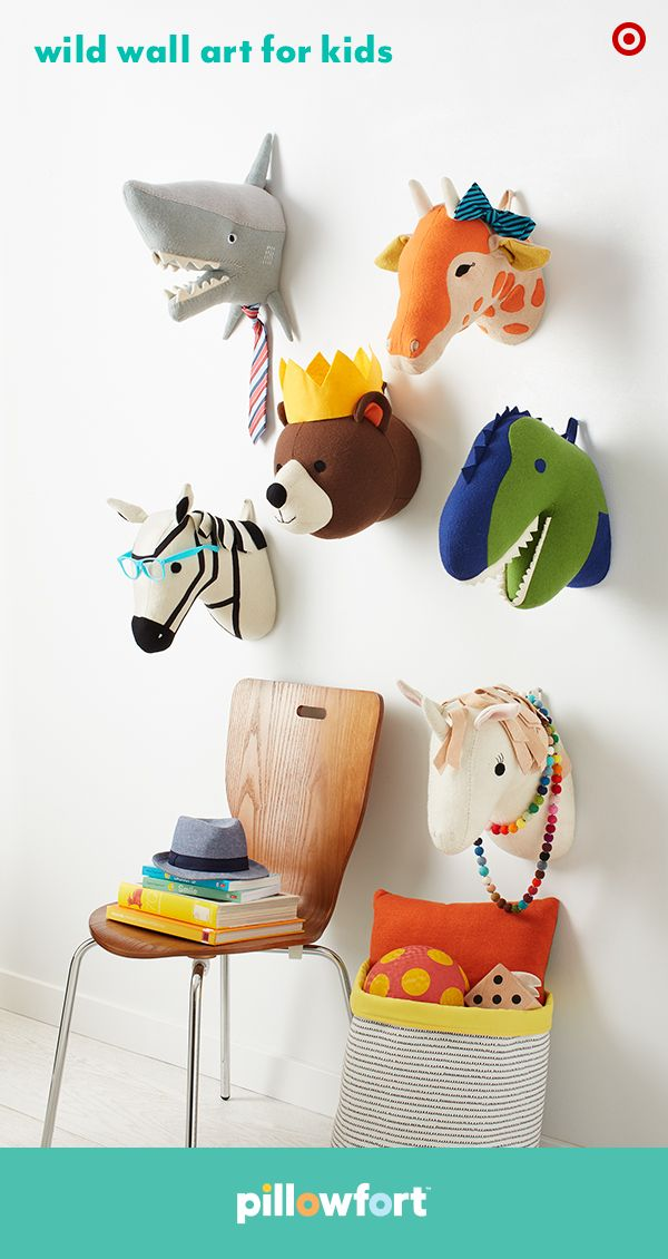 Go wild with the perfect room decor that's sure to please both the animal-loving kiddo and the design-savvy parent. Pillowfort's cute animal head wall mounts go perfectly in a themed bedroom, mixed in a gallery wall, or just as a way to liven up a little one's room or play area.