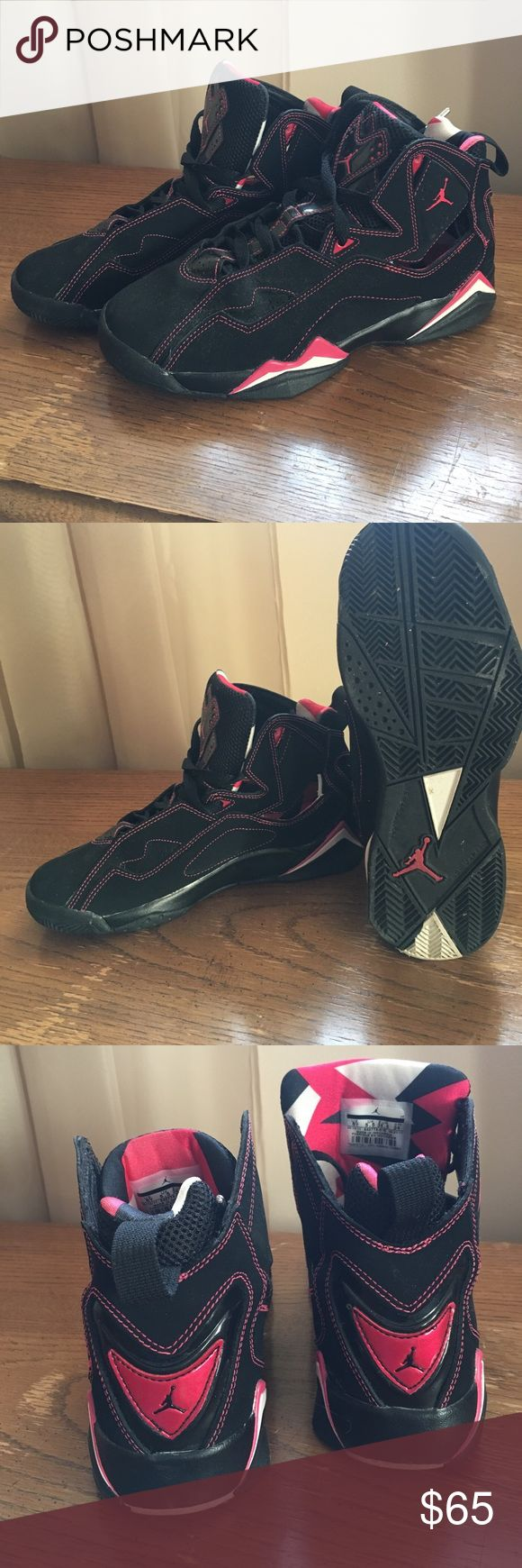 Grade School Kids Jordan's They are in mint condition. Only worn a handful of times. They are a youth (grade school) size 6. PayPal preferred. Jordan Shoes Sneakers