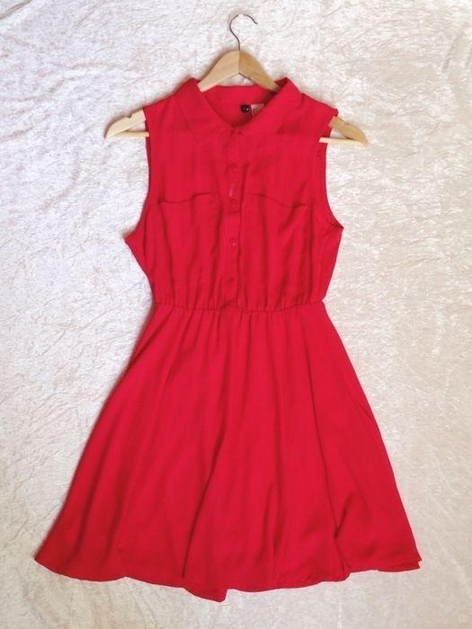 Mam do sprzedania czerwoną/malinową sukienkę z firmy h&m. Jej rozmiar to 34,lecz jest z uciągliwa zatem bedzie dobra na ro...
