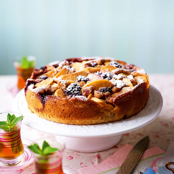 This apple and blackberry cake is made with seasonal fruit which makes it such a treat!