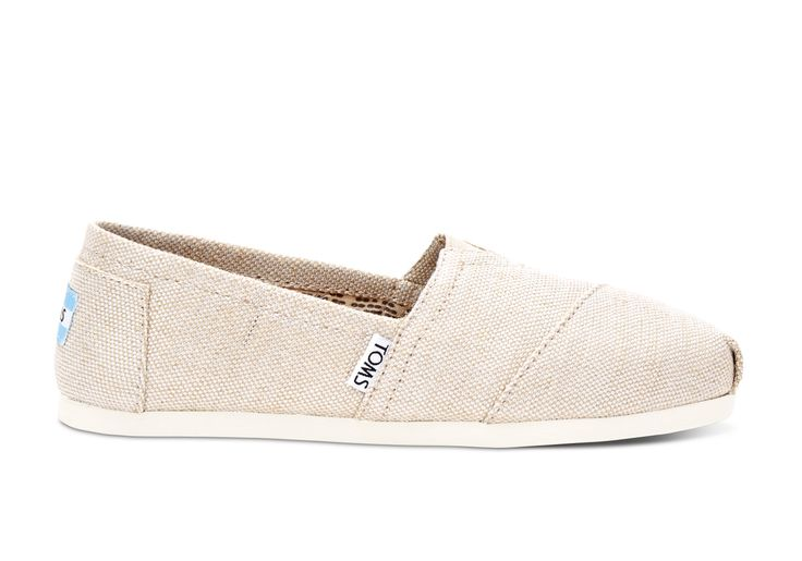 Show off your TOMS with a little shimmer. Featuring metallic burlap, our comfy Classic might just become the star of your outfit.