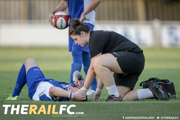 Chris Ovington taken off after a blow to the head but appears to be okay now    @therailfc @brighousetown @edwhite2507