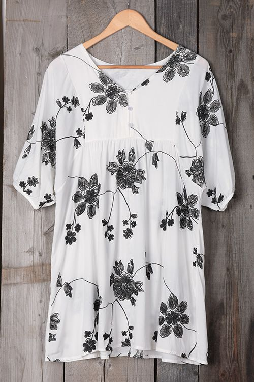 This top is one hot ticket... Better snag one for yourself before they're all gone! Elegant embroidered black roses with casual style,soft and comfy, wearing this dress will have you ready to go anywhere!