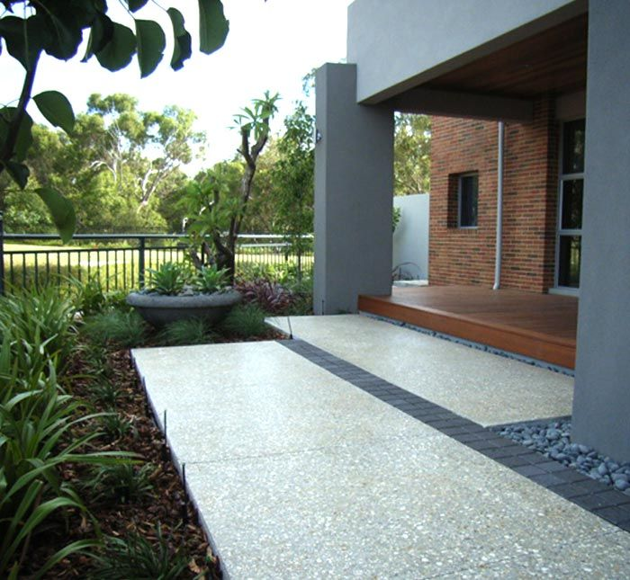 Exposed Aggregate With Pavers