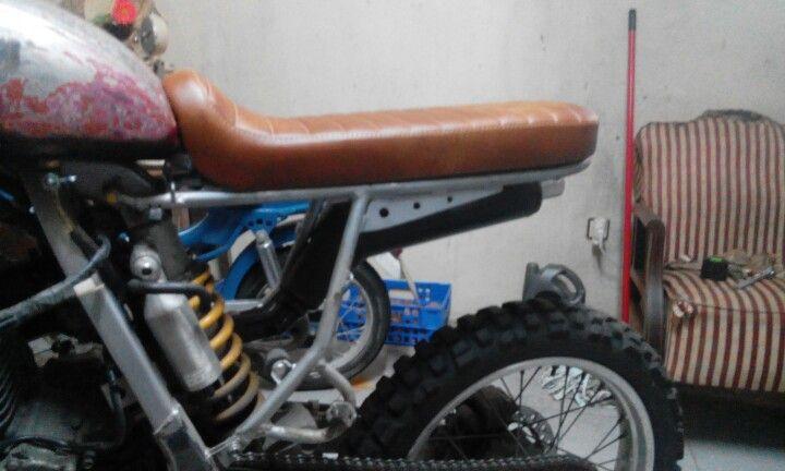 Xr scrambler seat