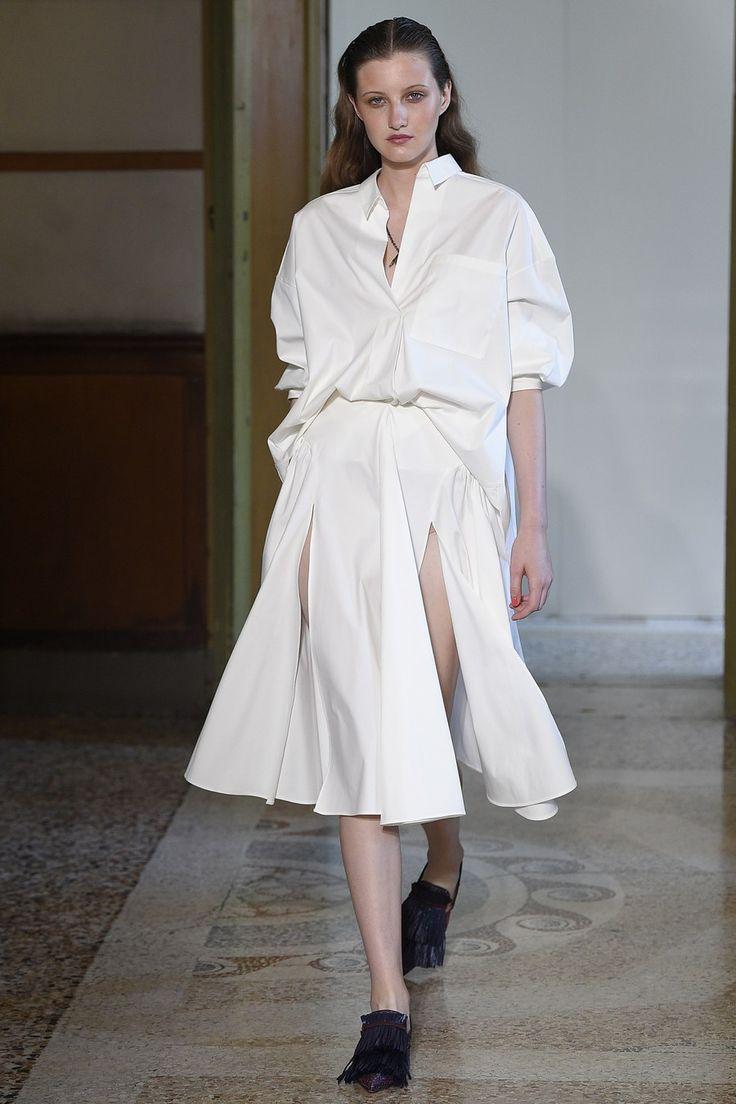 Blumarine Spring 2017 ready-to-wear collection Milan Fashion Week