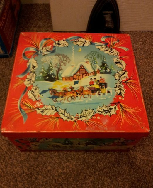 Vintage Huntley and Palmers Biscuit Tin , Christmas