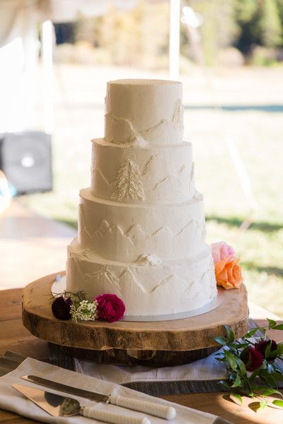 Rustic Wedding Cakes On Tiered Separator Cake Plates