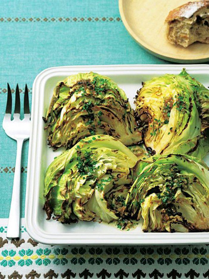 皿ごとオーブンに入れて、あとは待つだけ。|『ELLE gourmet(エル・グルメ)』はおしゃれで簡単なレシピが満載!