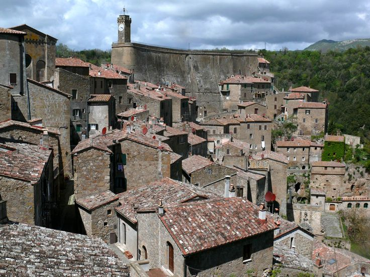Sorano - Panoramic view with Masso Leopoldino