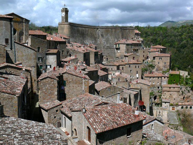 Sorano - Panoramic view with Masso Leopoldino